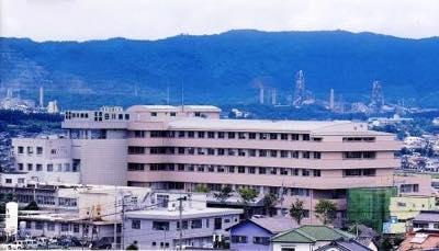 許可病床数335床、25診療科を有する地域の中核病院です。